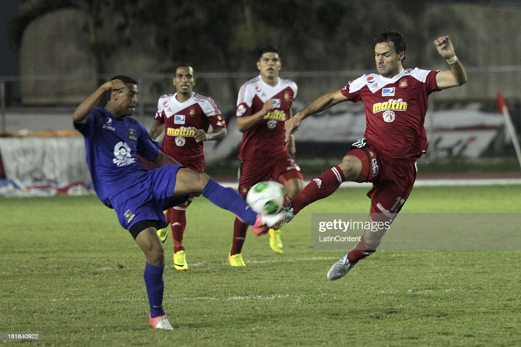 Javier Guarino of Caracas in action during a match between Caracas FC and Deportivo La Guaira as part of the Apertura 2013 at Brígido Iriarte Stadium on September 25, 2013 in Caracas, Venezuela.