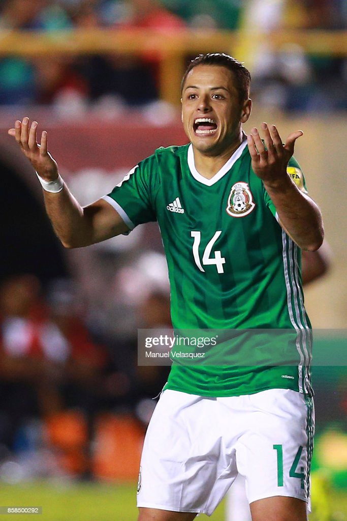 Javier Hernadez of Mexico reacts after a fault during the match between Mexico and Trinidad & Tobago as part of the FIFA 2018 World Cup Qualifiers at Alfonso Lastras Stadium on October 6, 2017 in San Luis Potosi, Mexico.