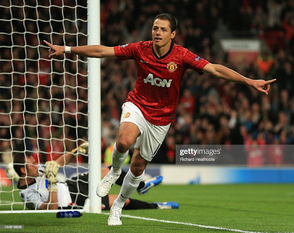 <a gi-track='captionPersonalityLinkClicked' href=/galleries/search?phrase=Javier+Hernandez+-+Soccer+Player&family=editorial&specificpeople=6733186 ng-click='$event.stopPropagation()'>Javier Hernandez</a> of Manchester United celebrates scoring his team's third goal to make the score 3-2 during the UEFA Champions League Group H match between Manchester United and SC Braga at Old Trafford on October 23, 2012 in Manchester, England.