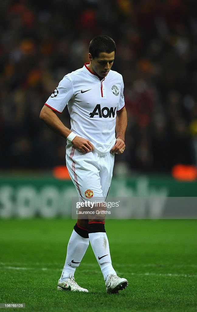 <a gi-track='captionPersonalityLinkClicked' href=/galleries/search?phrase=Javier+Hernandez+-+Soccer+Player&family=editorial&specificpeople=6733186 ng-click='$event.stopPropagation()'>Javier Hernandez</a> of Manchester United shows his dissapointment after losing in the UEFA Champions League Group H match between Galatasaray and Manchester United at the Turk Telekom Arena on November 20, 2012 in Istanbul, Turkey.
