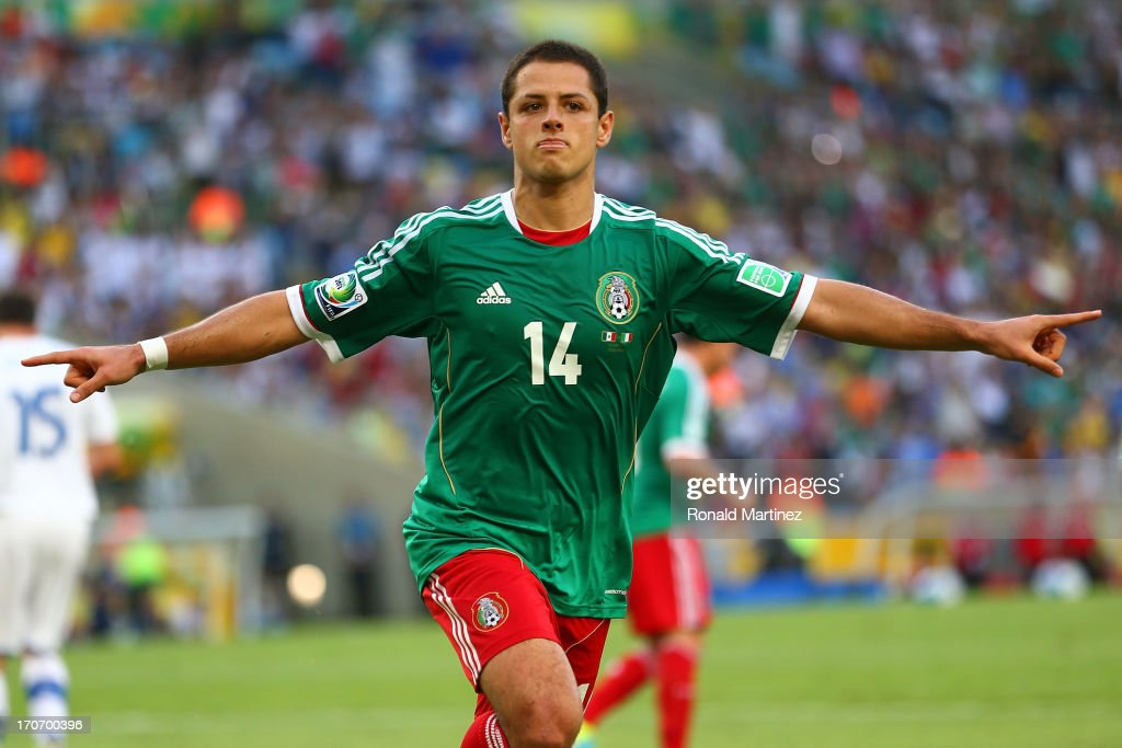 <a gi-track='captionPersonalityLinkClicked' href=/galleries/search?phrase=Javier+Hernandez+-+Voetballer&family=editorial&specificpeople=6733186 ng-click='$event.stopPropagation()'>Javier Hernandez</a> of Mexico celebrates scoring his team's first goal from a penalty kick to make the score 1-1 during the FIFA Confederations Cup Brazil 2013 Group A match between Mexico and Italy at the Maracana Stadium on June 16, 2013 in Rio de Janeiro, Brazil.