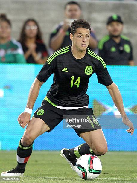 Javier Hernandez of Mexico controls the ball during a friendly match between Mexico and Ecuador at Memorial Coliseum Stadium on March 28 2015 in Los...