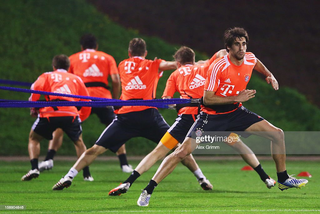 Javier Martinez and team mates exercise during a Bayern Muenchen training session at the ASPIRE Academy for Sports Excellence on January 3, 2013 in Doha, Qatar.