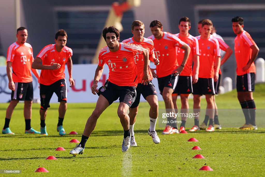 Javier Martinez exercises during a Bayern Muenchen training session at the ASPIRE Academy for Sports Excellence on January 5, 2013 in Doha, Qatar.
