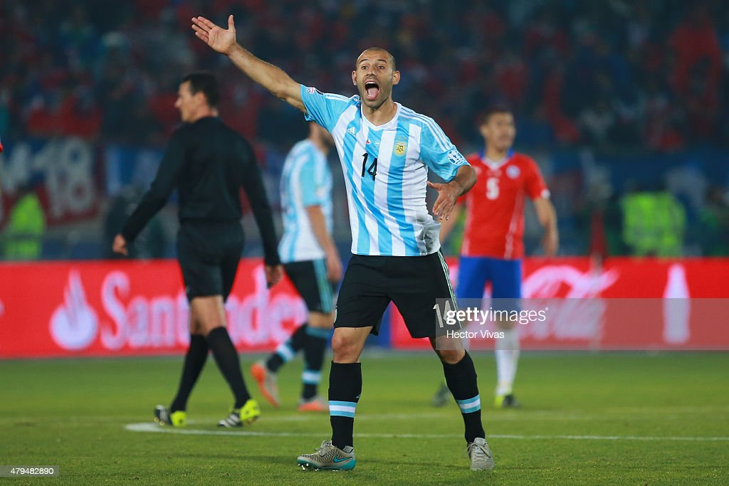 <a gi-track='captionPersonalityLinkClicked' href=/galleries/search?phrase=Javier+Mascherano&family=editorial&specificpeople=490876 ng-click='$event.stopPropagation()'>Javier Mascherano</a> of Argentina reacts during the 2015 Copa America Chile Final match between Chile and Argentina at Nacional Stadium on July 04, 2015 in Santiago, Chile.