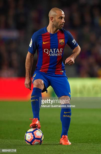 Javier Mascherano of Barcelona controls the ball during the La Liga match between FC Barcelona and Valencia CF at Camp Nou Stadium on March 19 2017...