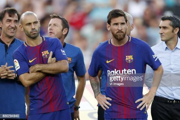 Javier Mascherano of FC Barcelona Lionel Messi of FC Barcelona coach Ernesto Valverde of FC Barcelona during the Trofeu Joan Gamper match between FC...