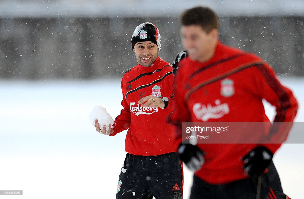 <a gi-track='captionPersonalityLinkClicked' href=/galleries/search?phrase=Javier+Mascherano&family=editorial&specificpeople=490876 ng-click='$event.stopPropagation()'>Javier Mascherano</a> plays in the snow during a training session at Melwood Training Ground on January 5, 2010 in Liverpool, England.