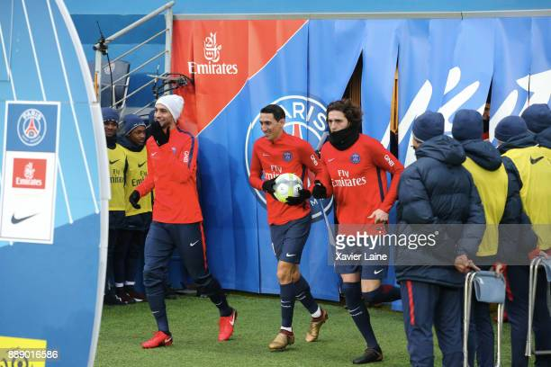 Javier Pastore Angel Di Maria and Adrien Rabiot before the Ligue 1 match between Paris Saint Germain and Lille OSC at Parc des Princes on December 9...