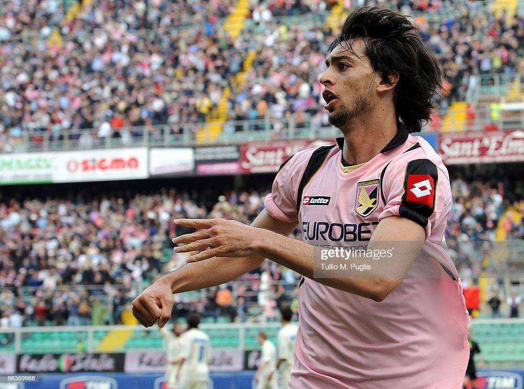 <a gi-track='captionPersonalityLinkClicked' href=/galleries/search?phrase=Javier+Pastore&family=editorial&specificpeople=5857872 ng-click='$event.stopPropagation()'>Javier Pastore</a> of Palermo celebrates the equalizing goal during the Serie A match between US Citta di Palermo and AC Chievo Verona at Stadio Renzo Barbera on April 11, 2010 in Palermo, Italy.