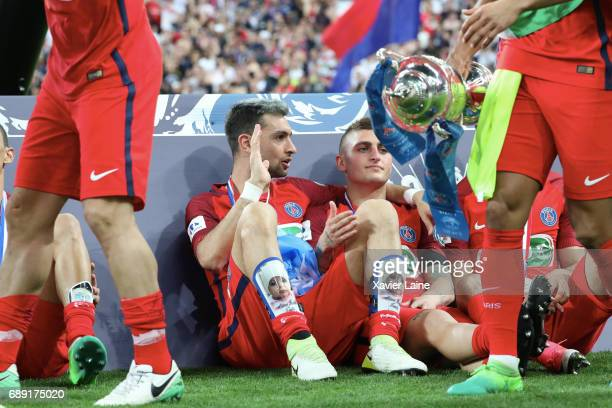 Javier Pastore of Paris SaintGermain celebrate the cup with Marco Verratti during the French Cup Final match between Paris SaintGermain and SCO...