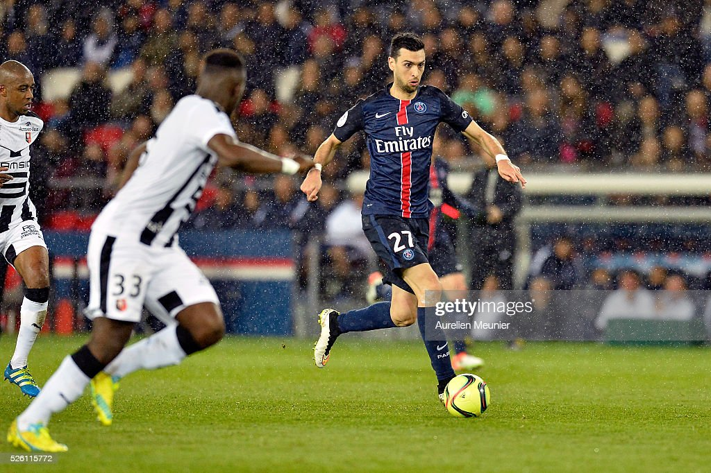 <a gi-track='captionPersonalityLinkClicked' href=/galleries/search?phrase=Javier+Pastore&family=editorial&specificpeople=5857872 ng-click='$event.stopPropagation()'>Javier Pastore</a> of Paris Saint-Germain runs with the ball during the Ligue 1 match between Paris Saint-Germain and Stade Rennais at Parc des Princes on April 29, 2016 in Paris, France.