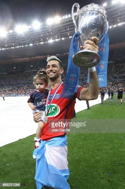 Javier Pastore of PSG and his daughter Martina Pastore celebrate the victory following the French Cup final between Paris SaintGermain and SCO Angers...