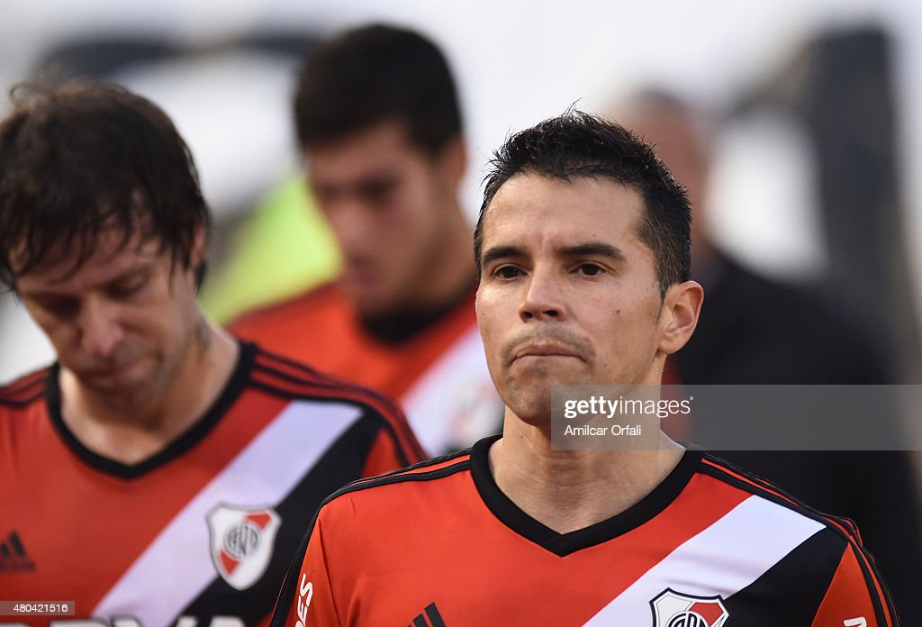 <a gi-track='captionPersonalityLinkClicked' href=/galleries/search?phrase=Javier+Saviola&family=editorial&specificpeople=207198 ng-click='$event.stopPropagation()'>Javier Saviola</a> of River Plate leaves the field after a match between River Plate and Temperley as part of 16th round of Torneo Primera Division 2015 at Antonio Vespucio Liberti Stadium on July 11, 2015 in Buenos Aires, Argentina.