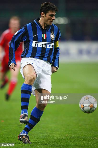 Javier Zanetti of Inter controls the ball during the UEFA Champions League first knockout round second leg match between Inter Milan and Liverpool at...
