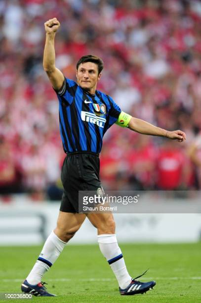 Javier Zanetti of Inter Milan celebrates his team's first goal during the UEFA Champions League Final match between FC Bayern Muenchen and Inter...