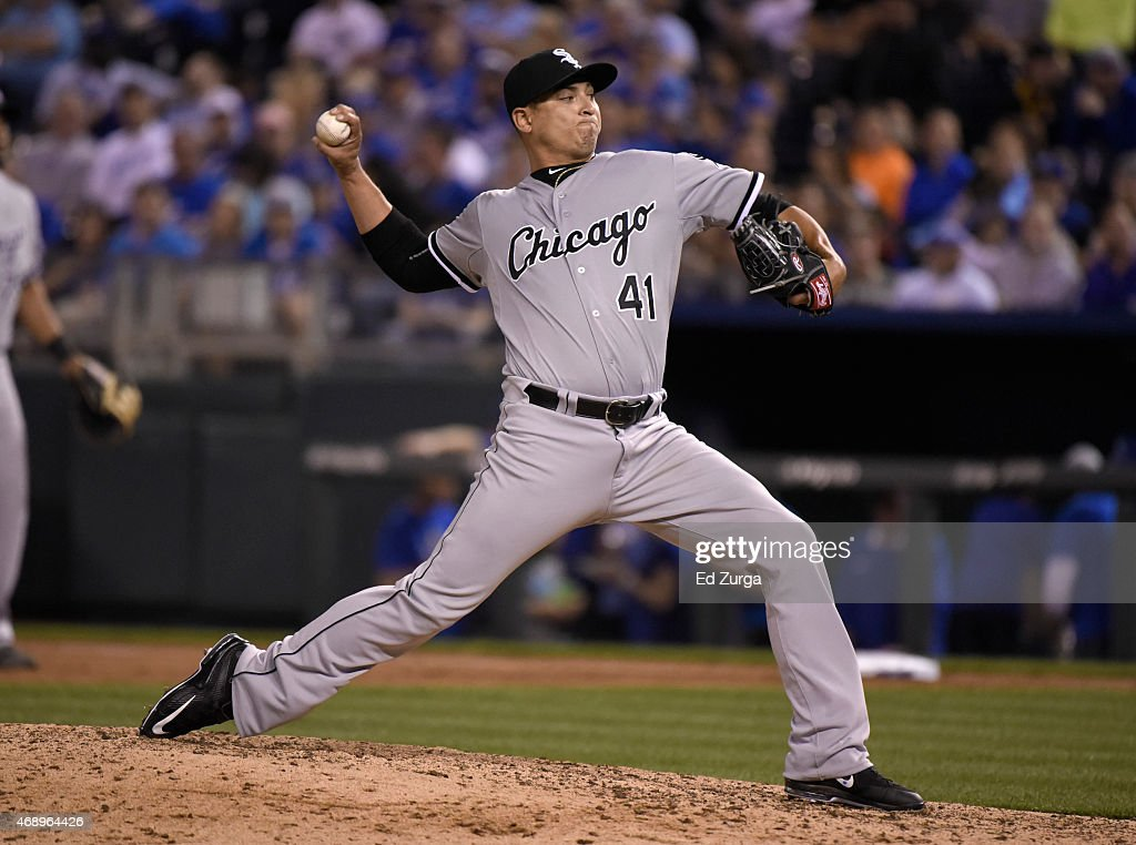 Javy Guerra #41 of the Chicago White Sox throws against the Kansas City Royals in the sixth inning on April 8, 2015 at Kauffman Stadium in Kansas City, Missouri.