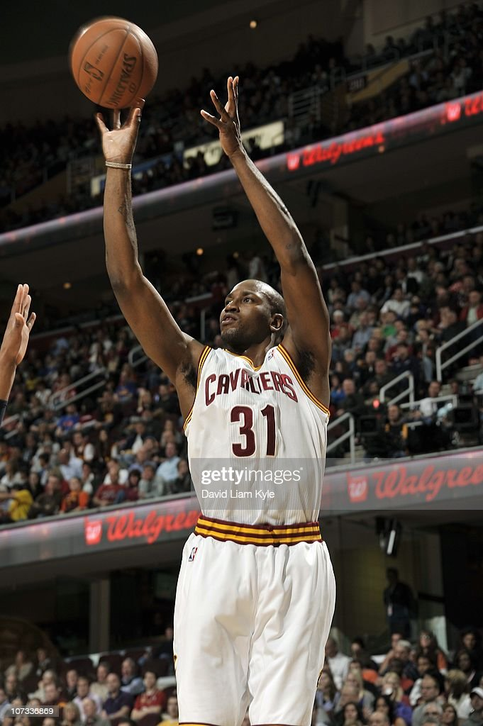 <a gi-track='captionPersonalityLinkClicked' href=/galleries/search?phrase=Jawad+Williams&family=editorial&specificpeople=200696 ng-click='$event.stopPropagation()'>Jawad Williams</a> #31 of the Cleveland Cavaliers shoots the ball during a game against the Indiana Pacers at The Quicken Loans Arena on November 13, 2010 in Cleveland, Ohio.