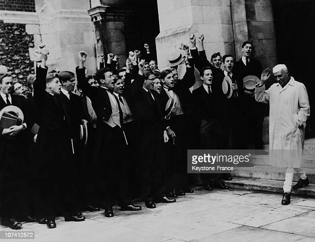 Jawaharlal Nehru Prime Minister Of India Visit To Harrow School In London On May 2Nd 1960
