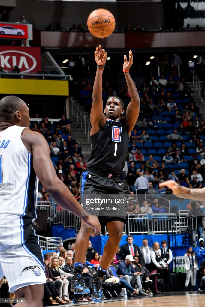 Jawun Evans #1 of the LA Clippers shoots the ball against the Orlando Magic on December 13, 2017 at Amway Center in Orlando, Florida.
