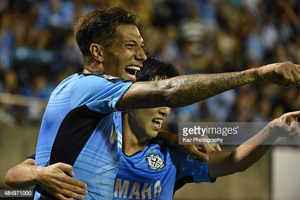 Jay Bothroyd of Jubilo Iwata celebrates his 2nd goal during the JLeague second division match between Jubilo Iwata and Tokushima Vortis at Yamaha...