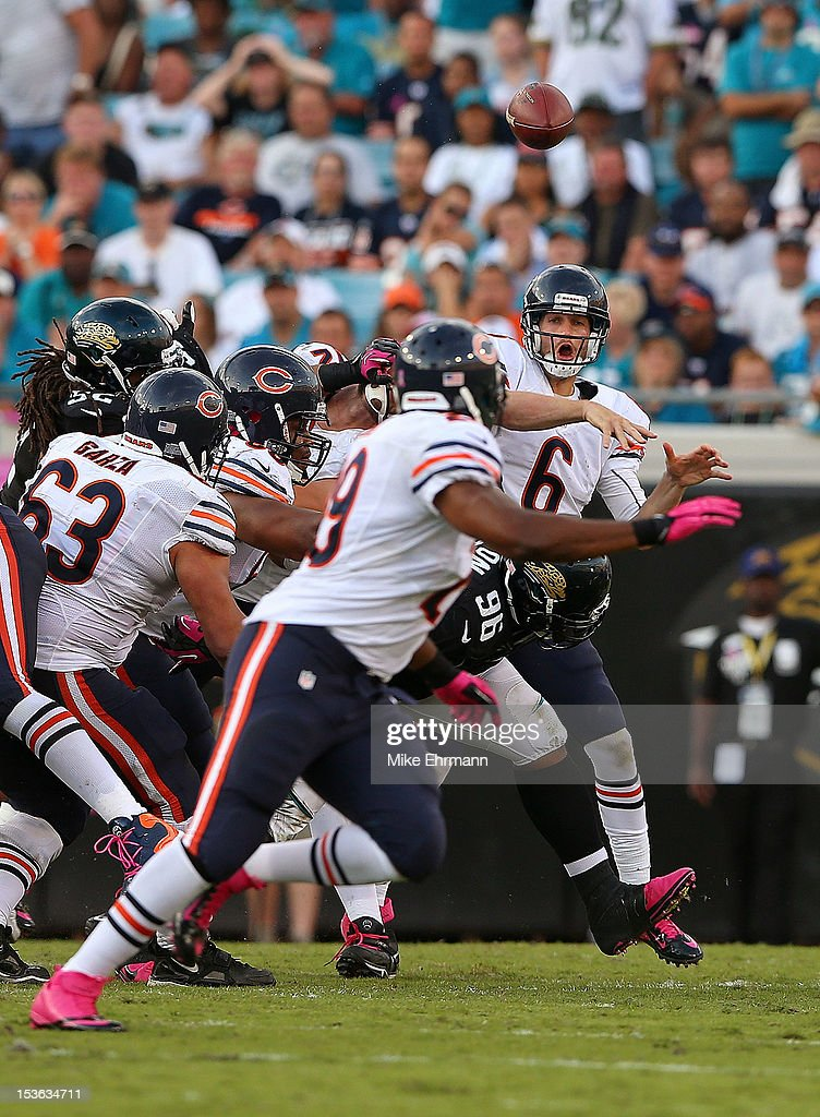 <a gi-track='captionPersonalityLinkClicked' href=/galleries/search?phrase=Jay+Cutler&family=editorial&specificpeople=622249 ng-click='$event.stopPropagation()'>Jay Cutler</a> #6 of the Chicago Bears passes during a game against the Jacksonville Jaguars at EverBank Field on October 7, 2012 in Jacksonville, Florida.