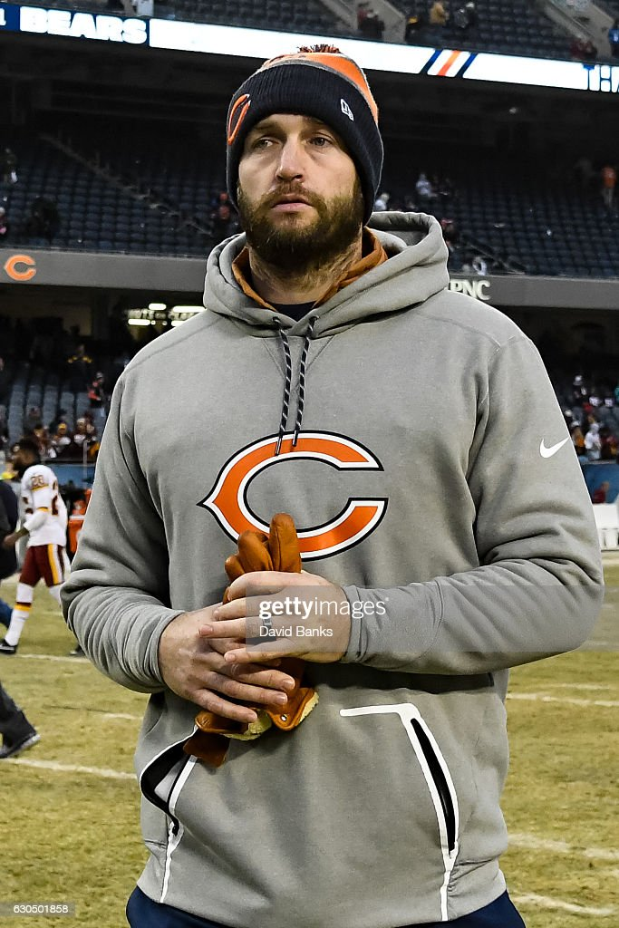 Jay Cutler #6 of the Chicago Bears walks off of the field after losing to the Washington Redskins at Soldier Field on December 24, 2016 in Chicago, Illinois. The Washington Redskins defeated the Chicago Bears 41-21.