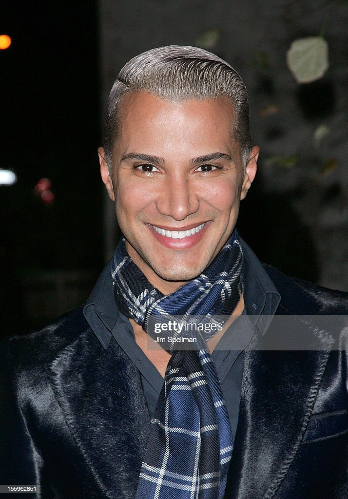 <a gi-track='captionPersonalityLinkClicked' href=/galleries/search?phrase=Jay+Manuel&family=editorial&specificpeople=557434 ng-click='$event.stopPropagation()'>Jay Manuel</a> attends the Gato Negro Films & The Cinema Society screening of 'Hotel Noir' at Crosby Street Hotel on November 9, 2012 in New York City.