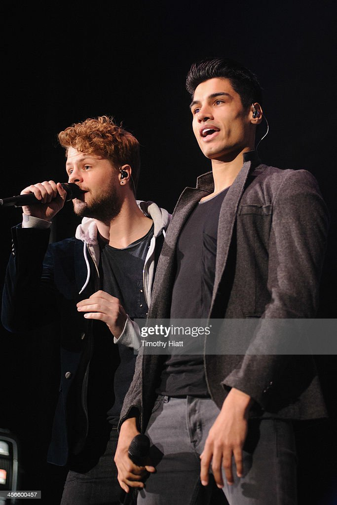 <a gi-track='captionPersonalityLinkClicked' href=/galleries/search?phrase=Jay+McGuiness&family=editorial&specificpeople=7039806 ng-click='$event.stopPropagation()'>Jay McGuiness</a> and <a gi-track='captionPersonalityLinkClicked' href=/galleries/search?phrase=Siva+Kaneswaran&family=editorial&specificpeople=7039810 ng-click='$event.stopPropagation()'>Siva Kaneswaran</a> of The Wanted performs during the B96 Pepsi Jingle Bash at Allstate Arena on December 14, 2013 in Chicago, Illinois.