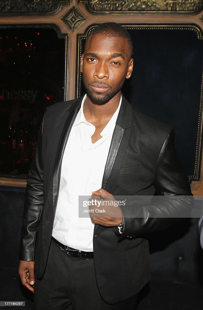 <a gi-track='captionPersonalityLinkClicked' href=/galleries/search?phrase=Jay+Pharoah&family=editorial&specificpeople=7252581 ng-click='$event.stopPropagation()'>Jay Pharoah</a> attends the 10th Annual Hennessy Privelage Awards honoring Carmelo Anthony at The Griffin on August 21, 2013 in New York City.