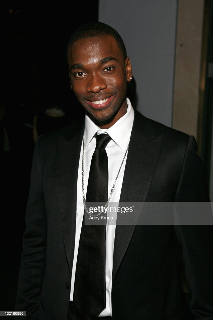 <a gi-track='captionPersonalityLinkClicked' href=/galleries/search?phrase=Jay+Pharoah&family=editorial&specificpeople=7252581 ng-click='$event.stopPropagation()'>Jay Pharoah</a> attends the 2011 American Museum of Natural History gala at the American Museum of Natural History on November 10, 2011 in New York City.