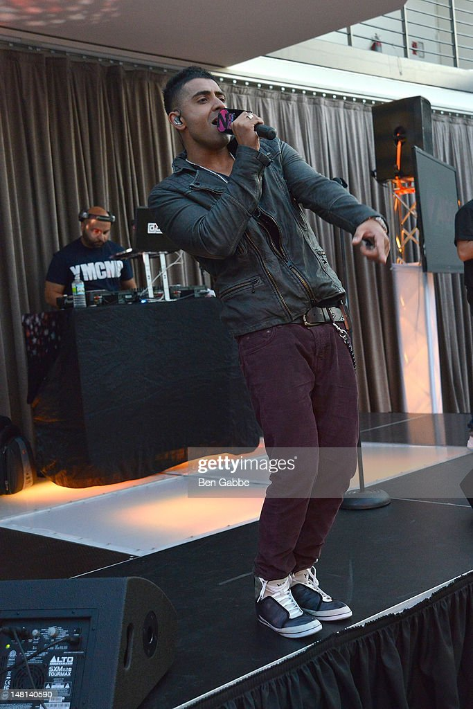 <a gi-track='captionPersonalityLinkClicked' href=/galleries/search?phrase=Jay+Sean&family=editorial&specificpeople=215091 ng-click='$event.stopPropagation()'>Jay Sean</a> performs onstage during Z100's Jingle Ball 2012 Launch Event at Tribeca Rooftop on July 10, 2012 in New York City.