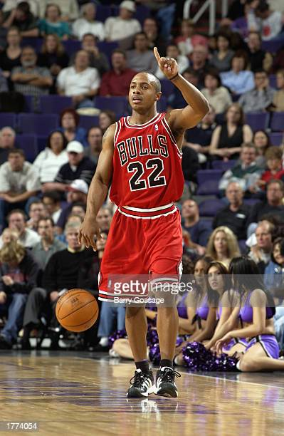 Jay Williams of the Chicago Bulls moves the ball during the game against the Phoenix Suns at America West Arena on February 3 2003 in Phoenix Arizona...