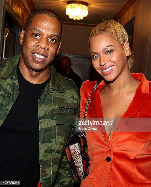Jay Z and Beyonce pose backstage at the hit musical 'Hamilton' on Broadway at The Richard Rogers Theater on October 21 2015 in New York City