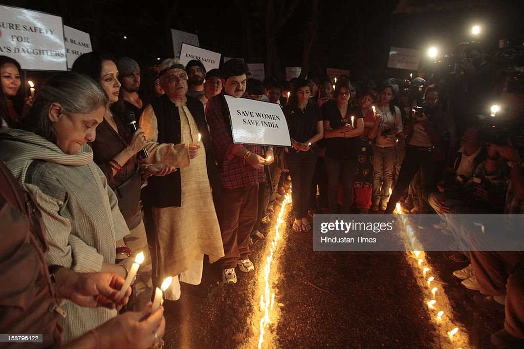Jaya Bachchan and Javed Akhtar at the protest by the Bollywood Film Industry against the Delhi rape incident at Kaifi Azmi Park, Juhuon December 29, 2012 in Mumbai, India.The girl died of injuries in Singapore hospital after brutally gang raped in a moving bus on December 16, in Delhi.