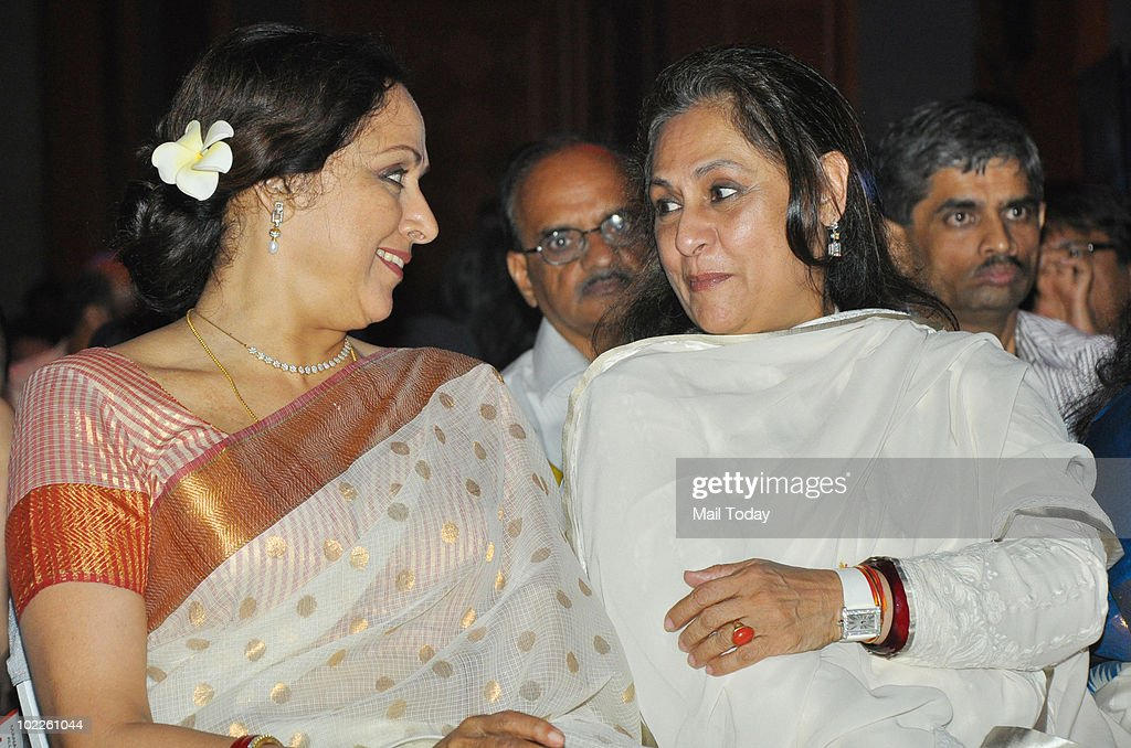 <a gi-track='captionPersonalityLinkClicked' href=/galleries/search?phrase=Jaya+Bachchan&family=editorial&specificpeople=1026829 ng-click='$event.stopPropagation()'>Jaya Bachchan</a> chats up <a gi-track='captionPersonalityLinkClicked' href=/galleries/search?phrase=Hema+Malini&family=editorial&specificpeople=1026787 ng-click='$event.stopPropagation()'>Hema Malini</a> on at the launch of 'Chehere' a coffee table book compiled by celebrity photographer Gautam Rajadhakshya in Mumbai on June 18, 2010.