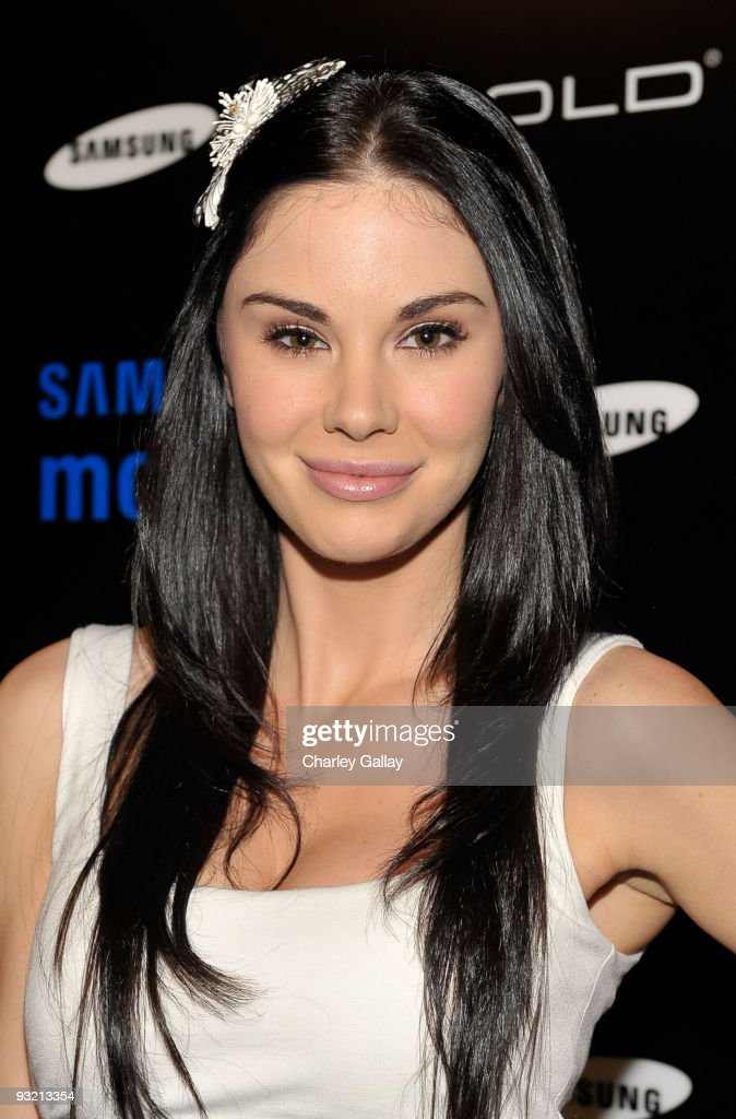 Jayde Nicole arrives at the Samsung Behold II launch event at Boulevard3 on November 18, 2009 in Los Angeles, California.