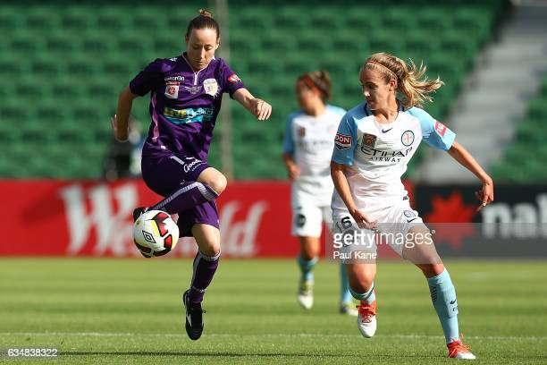 Jaymee Gibbons of the Perth Glory and Beverly Yanez of Melbourne City contest for the ball during the 2017 WLeague Grand Final match between the...