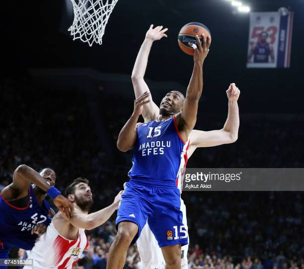 Jayson Granger #15 of Anadolu Efes Istanbul in action during the 2016/2017 Turkish Airlines EuroLeague Playoffs leg 4 game between Anadolu Efes...