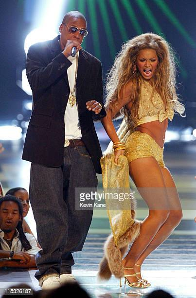 JayZ and Beyonce Knowles perform at the 2003 MTV Video Music Awards