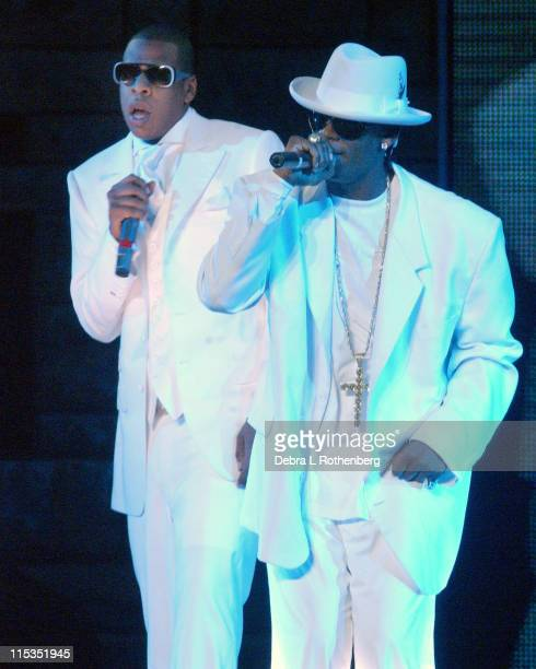 JayZ and R Kelly during JayZ and R Kelly in Concert October 29 2004 at Madison Square Garden in New York City New York United States
