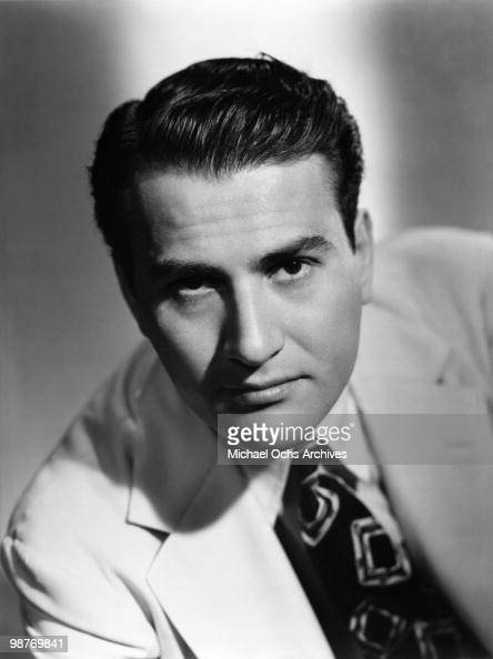 artie shaw top bandleaders in the Shaw's career as a bandleader began quite unexpectedly after he appeared at  the famous imperial theater swing concert, which took place.