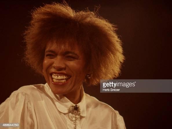 Jazz Singer Dee Dee Bridgewater performing in 1987