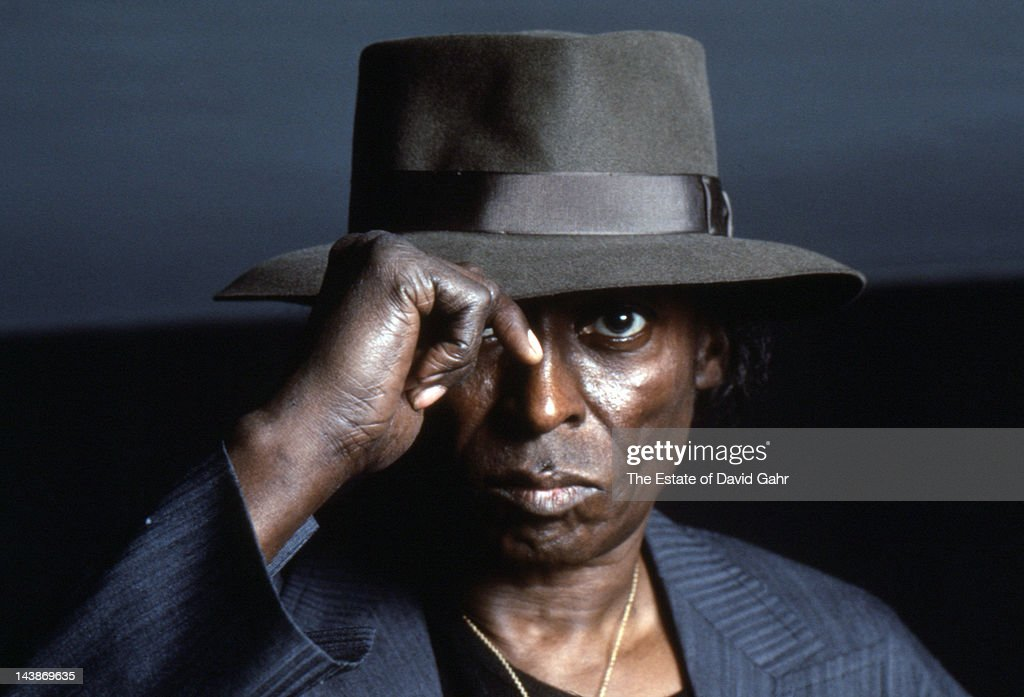 Jazz trumpter <a gi-track='captionPersonalityLinkClicked' href=/galleries/search?phrase=Miles+Davis&family=editorial&specificpeople=210822 ng-click='$event.stopPropagation()'>Miles Davis</a> poses for a portrait at home on April 15, 1984 in New York City, New York.