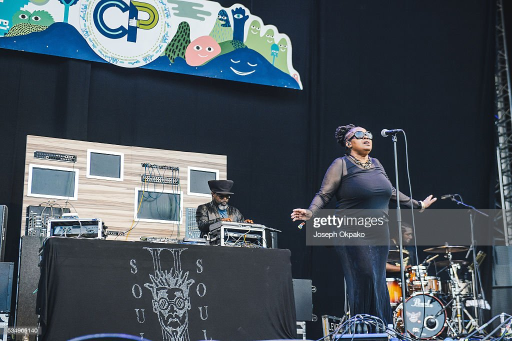 <a gi-track='captionPersonalityLinkClicked' href=/galleries/search?phrase=Jazzie+B&family=editorial&specificpeople=1980425 ng-click='$event.stopPropagation()'>Jazzie B</a> and Caron Wheeler of Soul II Soul performs on day 1 of Common People festival on May 28, 2016 in Oxford, England.