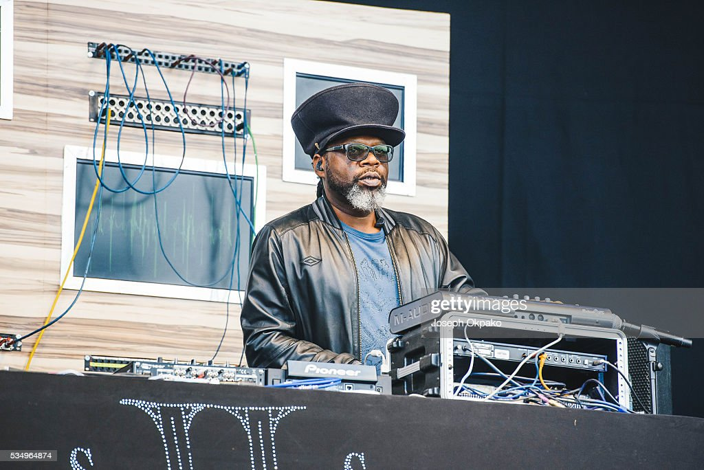 <a gi-track='captionPersonalityLinkClicked' href=/galleries/search?phrase=Jazzie+B&family=editorial&specificpeople=1980425 ng-click='$event.stopPropagation()'>Jazzie B</a> of Soul II Soul performs on day 1 of Common People festival on May 28, 2016 in Oxford, England.
