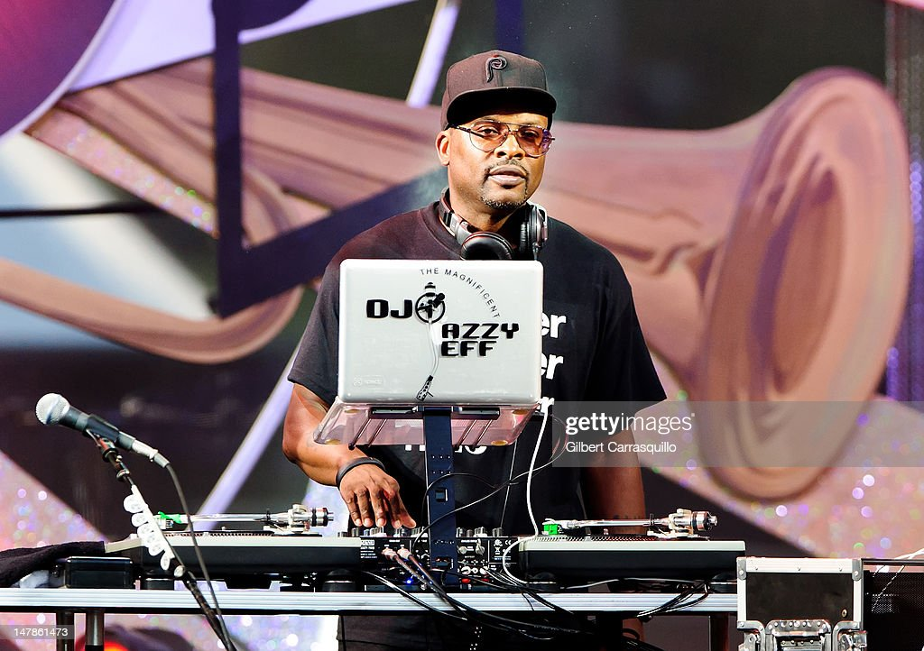 DJ <a gi-track='captionPersonalityLinkClicked' href=/galleries/search?phrase=Jazzy+Jeff&family=editorial&specificpeople=227883 ng-click='$event.stopPropagation()'>Jazzy Jeff</a> performs at the Philly Fourth Of July Jam at Benjamin Franklin Parkway on July 4, 2012 in Philadelphia, Pennsylvania.