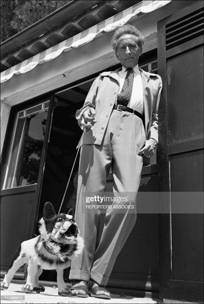 <a gi-track='captionPersonalityLinkClicked' href=/galleries/search?phrase=Jean+Cocteau&family=editorial&specificpeople=211437 ng-click='$event.stopPropagation()'>Jean Cocteau</a> at home in Milly la Foret, France in 1955.