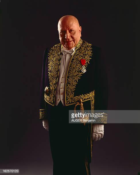 Jean Francois Revel Elected At The French Academy And His Son Matthieu Ricard Poses In Studio En France à Paris en juin 1998 JeanFrançois REVEL homme...