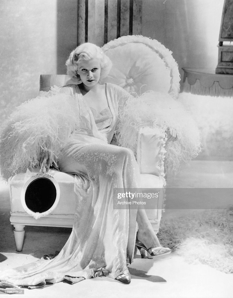 Jean Harlow in a scene from the film 'Dinner At Eight' 1933